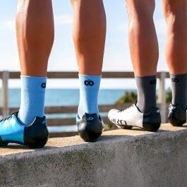 Chaussettes hautes d'été grises et bleu OZIO