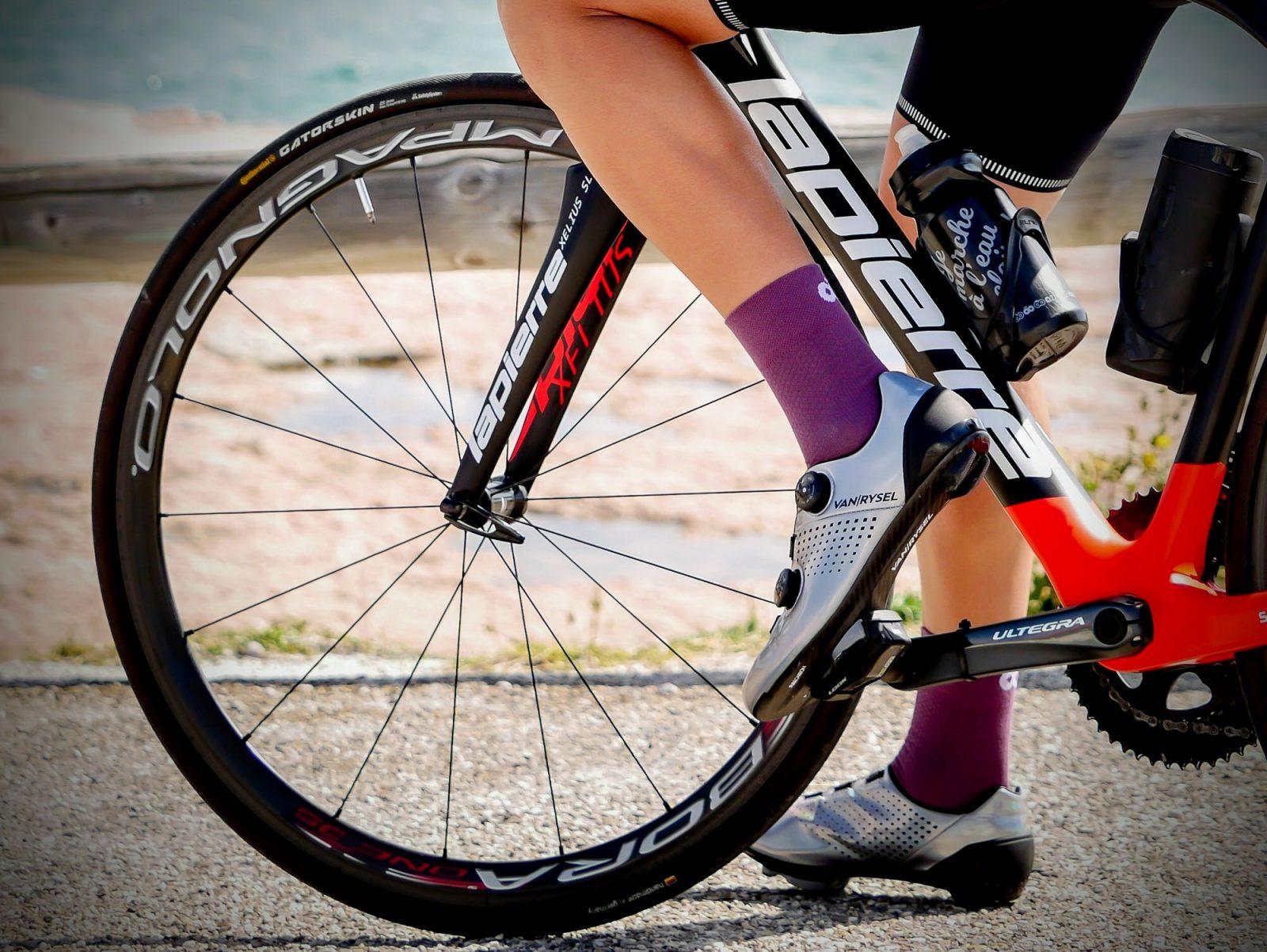 Chaussettes hautes d'été violettes OZIO