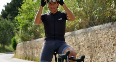 What is the ideal summer cycling outfit?