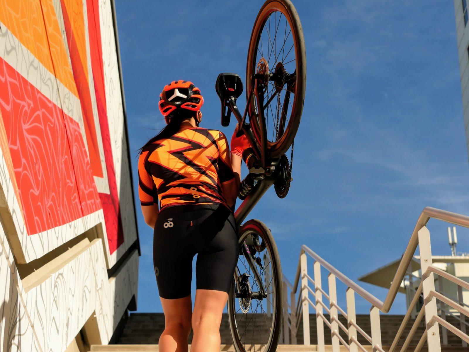 Cuissard de vélo femme avec bretelles vue de dosOZIO