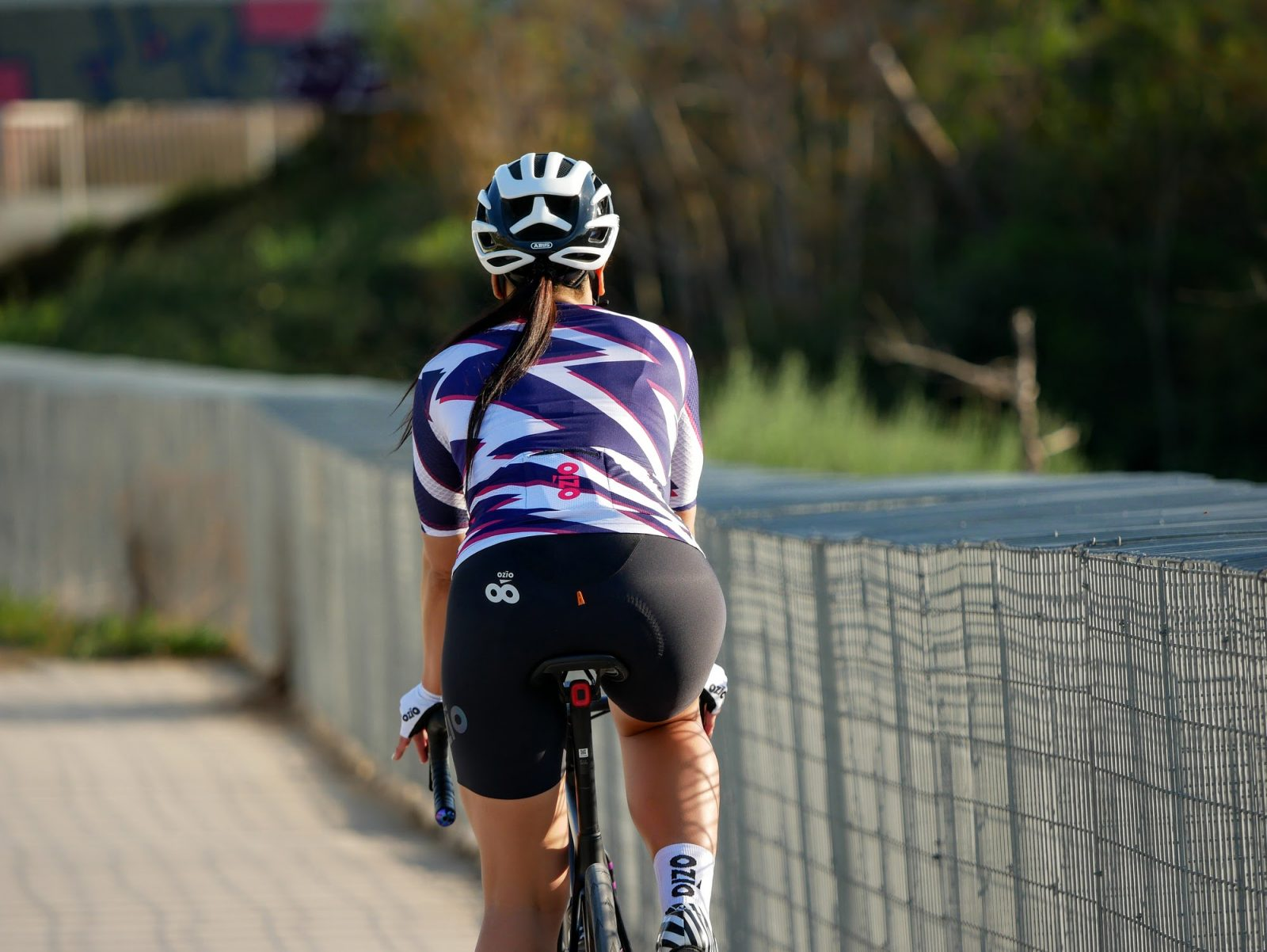 Vue de dos maillot de vélo femme manches courtes OZIO