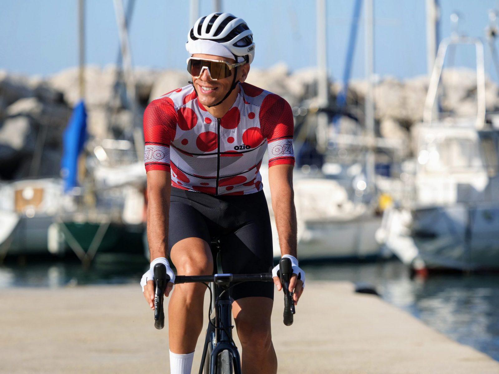 Maillot de vélo blanc à pois rouge