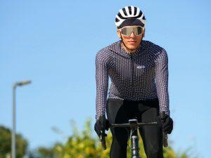 Cycliste homme tenue d'hiver